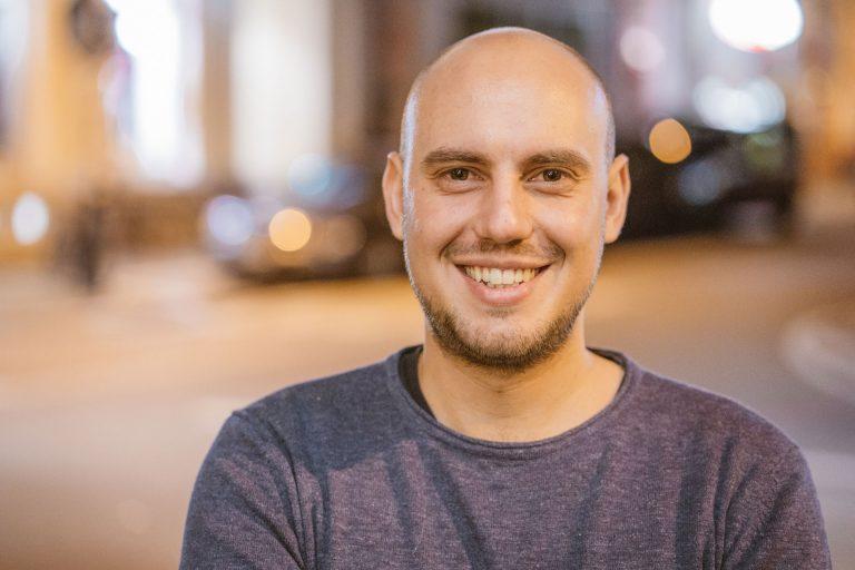 Benjamin Thoma, Auszubildender der Gesundheits- und Krankenpflege und Student der Pflegewissenschaft B.Sc.