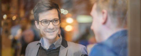 Martin Horn mit Personalrat und Sportfunktionär Alex Baumgartner im Gespräch