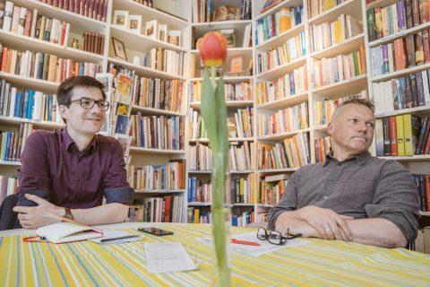 Naturschutzfreunde, Stadtrat Walter Krögner und Martin Horn diskutierten über Umwelt und Natur Aspekte in Freiburg im Café Satz im Stühlinger