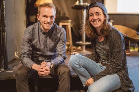 Bastos Jüngst, Wahlkampfleiter, und Marie Andlauer, Koordinatorin der Wählerinitiative, hatten am Abend des ''The Roast Of'' viel Spaß.