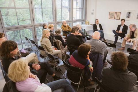 Im Geiges-Turm (T66 Kulturwerk) diskutierte Martin Horn mit Vertreter*innen aus der Kunstszene. Viele wichtige Impulse und Gespräche ergaben sich.