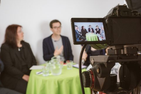 Livestream des Vereins Kommunikation & Medien zum Thema Digitalisierung in der Stühlingerstraße mit den drei aussichtsreichsten Kandidierenden.
