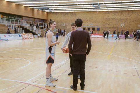 Nach dem Spiel der Eisvögel sprach Martin Horn mit der stark aufspielenden Defense Luisa Nufer. Glückwunsch zum Sieg und den anstehenden Playoff Spielen!