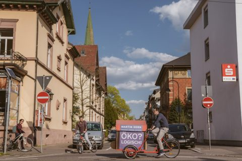 Das Espresso-Fahrrad auf dem Weg zum Infostand – gefahren von Martin Horn persönlich.