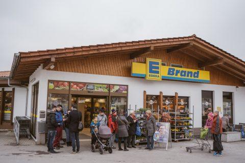 Wahlkampfstand am Edeka Brand in Opfingen