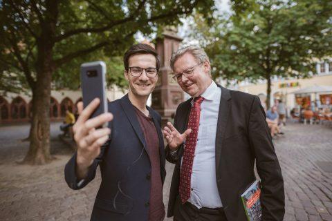Die erste Live-Sprechstunde auf Facebook des Oberbürgermeisters Martin Horn - Erster Bürgermeister Ulrich von Kirchbach stoß noch spontan dazu. | 27. Juli 2018